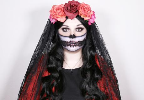 Bloggers' Halloween: Red Glitter Half Skull!