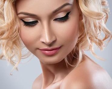Wie kann ich mein Make-up fixieren, damit es lange frisch aussieht?