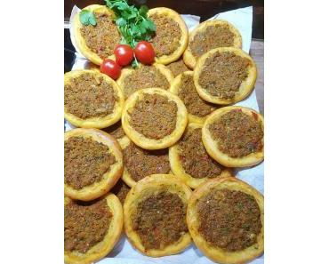 Kleine glutenfreie Lahmacun Poğaça's von Suna