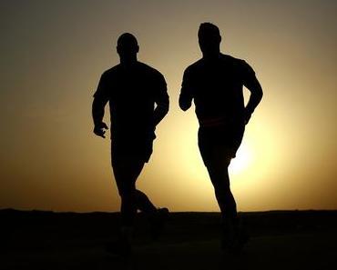 Männerfreundschaft: Kameradschaft und Bruderschaft sind essentiell in der Mannwerdung