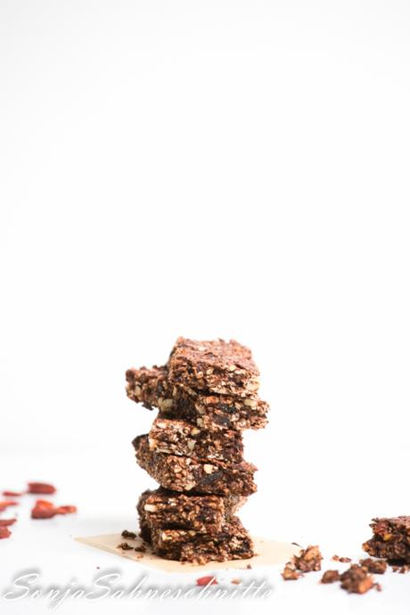 Schokoladen-Müsliriegel (vegan und glutenfrei) – healthy chocolate granola bars (vegan and gluten free)