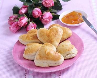 Scones in Herzform zum Valentinstag