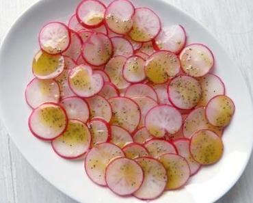 Radieschensalat mit Mohndressing