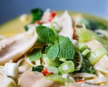 Asiatische Hühnernudelsuppe (Chicken Pho) – Die Geheimwaffe gegen Grippe