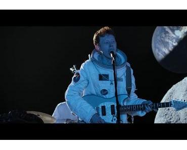 """King Krule veröffentlicht 30 Minuten langen Konzertfilm """"Live On The Moon"""""""
