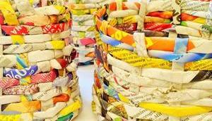 Upcycling-Basteln: Osternestchen alten Zeitungen