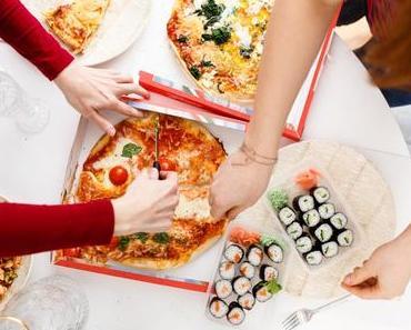 HAPPY DINNER WITH FRIENDS & GOOD FOOD! Der MJAM RadlExpress beschert uns einen gemütlichen Abend mit Pizza & Maki