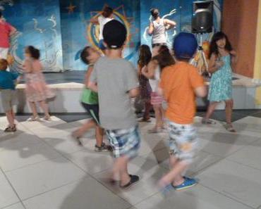 Tanzen mit Kindern: Keine musikalische Früherziehung, sondern wichtiges Familienritual