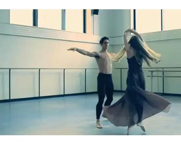 Janie Taylor : Ballett in Kleidern von Chloe