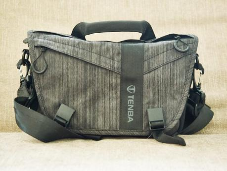 Denba DNA 8 Messenger Bag