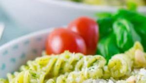 Basilikum Pesto Pasta Pinienkernen