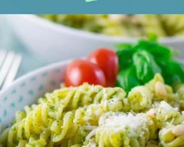 Basilikum Pesto Pasta mit Pinienkernen