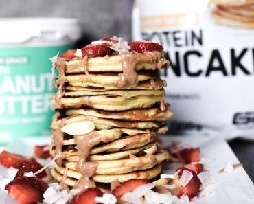 3 proteinreiche Frühstücksideen | Pancakes, Waffeln & Co.