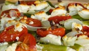 Gesehen sofort nachgemacht: Flammkuchen grünem Spargel Tomaten