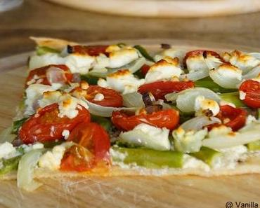 Gesehen und sofort nachgemacht: Flammkuchen mit grünem Spargel und Tomaten