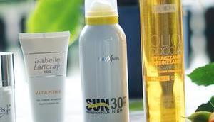 Hautpflege Sommer verschiedene Produkte Test