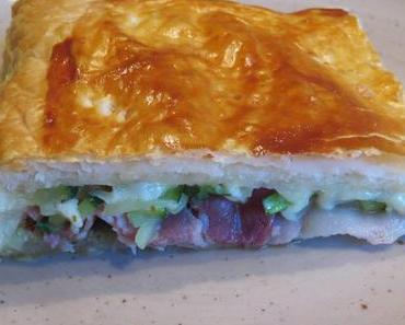 Käse-Pie mit Schinken und Zucchini