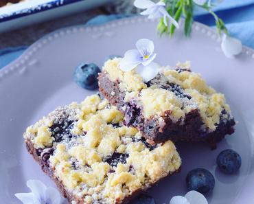 Blaubeer Streusel Brownies