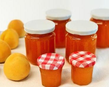 Sommerzeit ist Einmachzeit: Konfi und Gelee aus Aprikosen, Pflaumen und Äpfeln