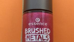 [Werbung] essence Brushed Metals nail polish it's party