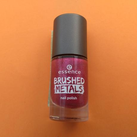 [Werbung] essence Brushed Metals nail polish 04 it's my party