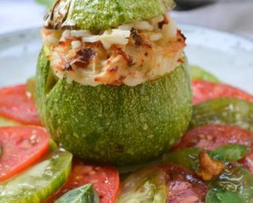 DIE VIELFALT DES SOMMERS! Runde Zucchini – gefüllt mit Eierschwammerl-Risotto auf Tomaten-Carpaccio