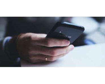 Spicken mit Zettel, UKW-Sender, Smartphones und Telepathie