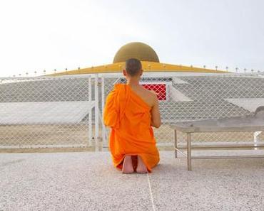 Der goldene UFO Tempel in Thailand –   1 Millionen Buddhas im Wat Phra Dhammakaya Tempel