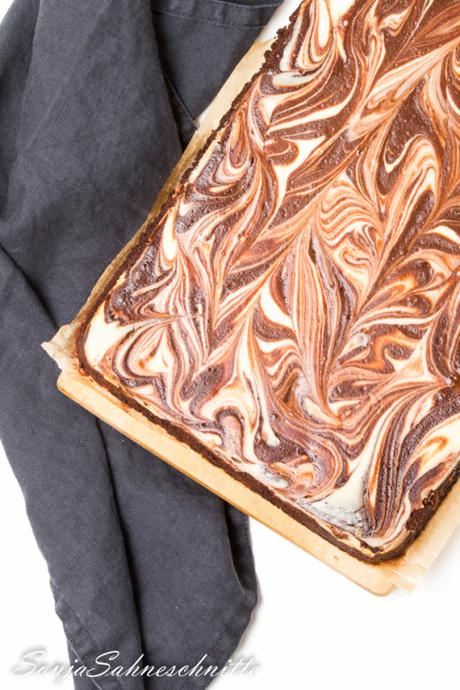Rezept für einfache marmorierte Cheesecake Brownies -recipe for easy marbeld cheesecake brownies from scratch