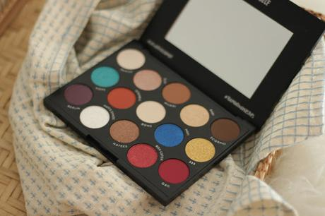 L.O.V Hatice Schmidt Eyeshadow Palette The Tea is hot Review und Swatches