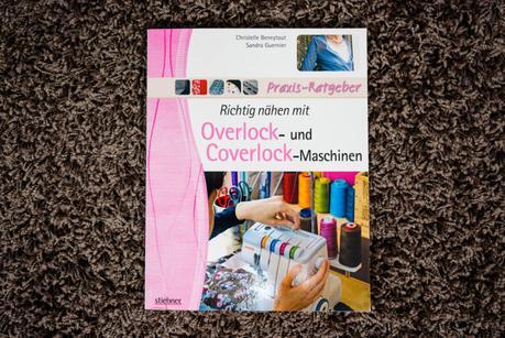 Nähbücher als Weihnachtsgeschenk: Nähtechniken und Stoffarten