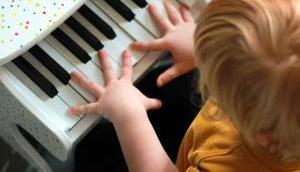 Übung macht Meister Unser neues Kinder-Klavier Verlosung