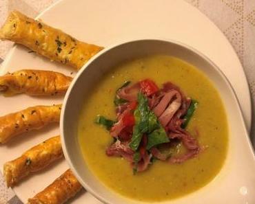 Kohlrabi-Kokos-Suppe mit Wolkenbrot