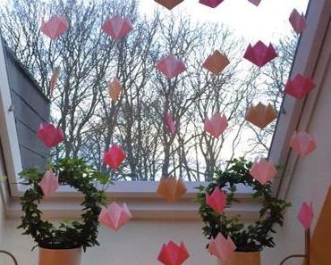 Frühlings- und Osterzeit: Kinderleichte Origamitulpen – oder – Für mich regnet's rosa Tulpen