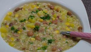 Samstagseintopf: Kartoffel-Bohnen-Suppe Perlgraupen Speck