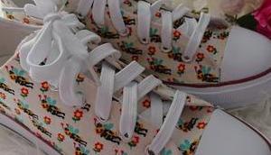 Schuhe selber designen DIY: Eigene Stoffschuhe ganz leicht designen!