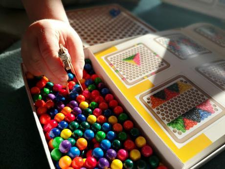 Spielzeug SINA Mini-Kugelspiel Holzkugeln Kreativ Muster NEU Legespiel aus Holz Erzgebirge Antiquitäten & Kunst
