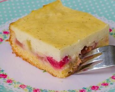 Rhabarberkuchen mit Vanillepudding-Schmand-Creme