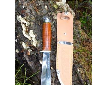 Wie entsteht der Ledergriff der Iisakki Järvenpää Scout Messer?