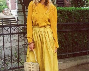 Monochrome Monday: Butterscotch gelb