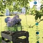 DIY Paletten-Tagesbett – und eine Blumenschaukel für langweilige Gartenecken