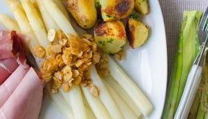 Spargel, Mandelblättchen Zitronenbutter, Schinken, Kartoffeln