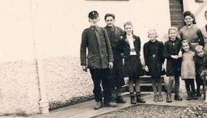 Alte Familienfotos: Sind auch alle drauf?