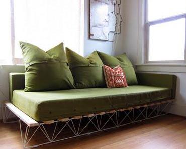 diese schöne sofa entstand aus einem alten bett von ikea,...