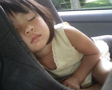 Sommer und Hitze: Kinder können im Auto sterben!