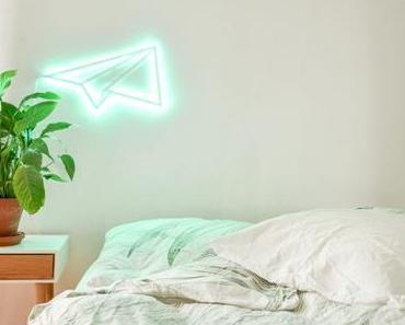 Sag es mit Licht: der DIY LED-Papierflieger mit Paulmann