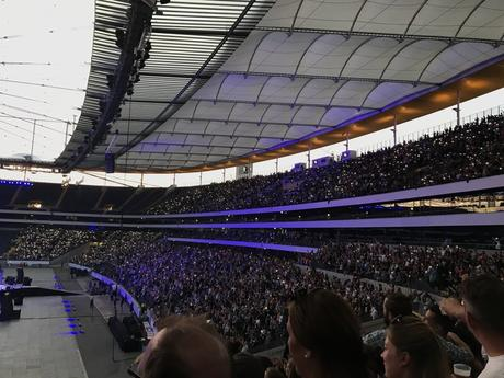 Review: Rockin'1000 in der Commerzbank Arena Frankfurt