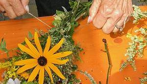 Kräuterbüscherl binden Maria Himmelfahrt