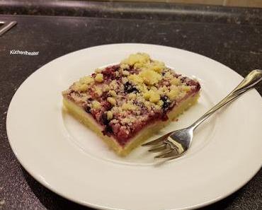 Streusel-Pudding-Schnitten mit Beeren