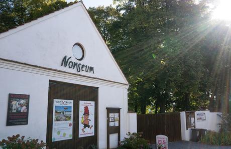 Das Nonseum und das Museumsdorf Niedersulz im Weinviertel